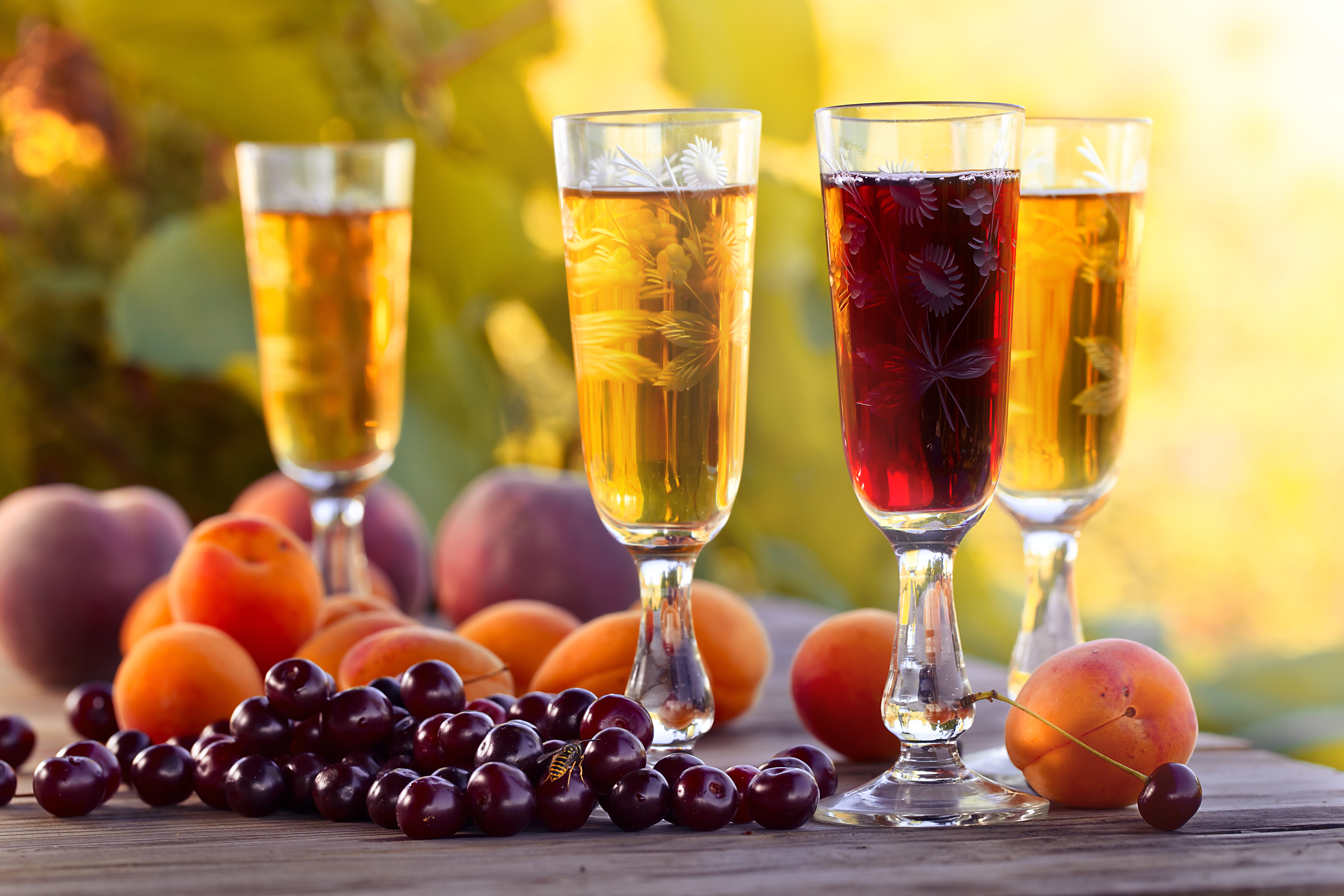 Sweet,Wine,And,Fruits,On,Wooden,Table