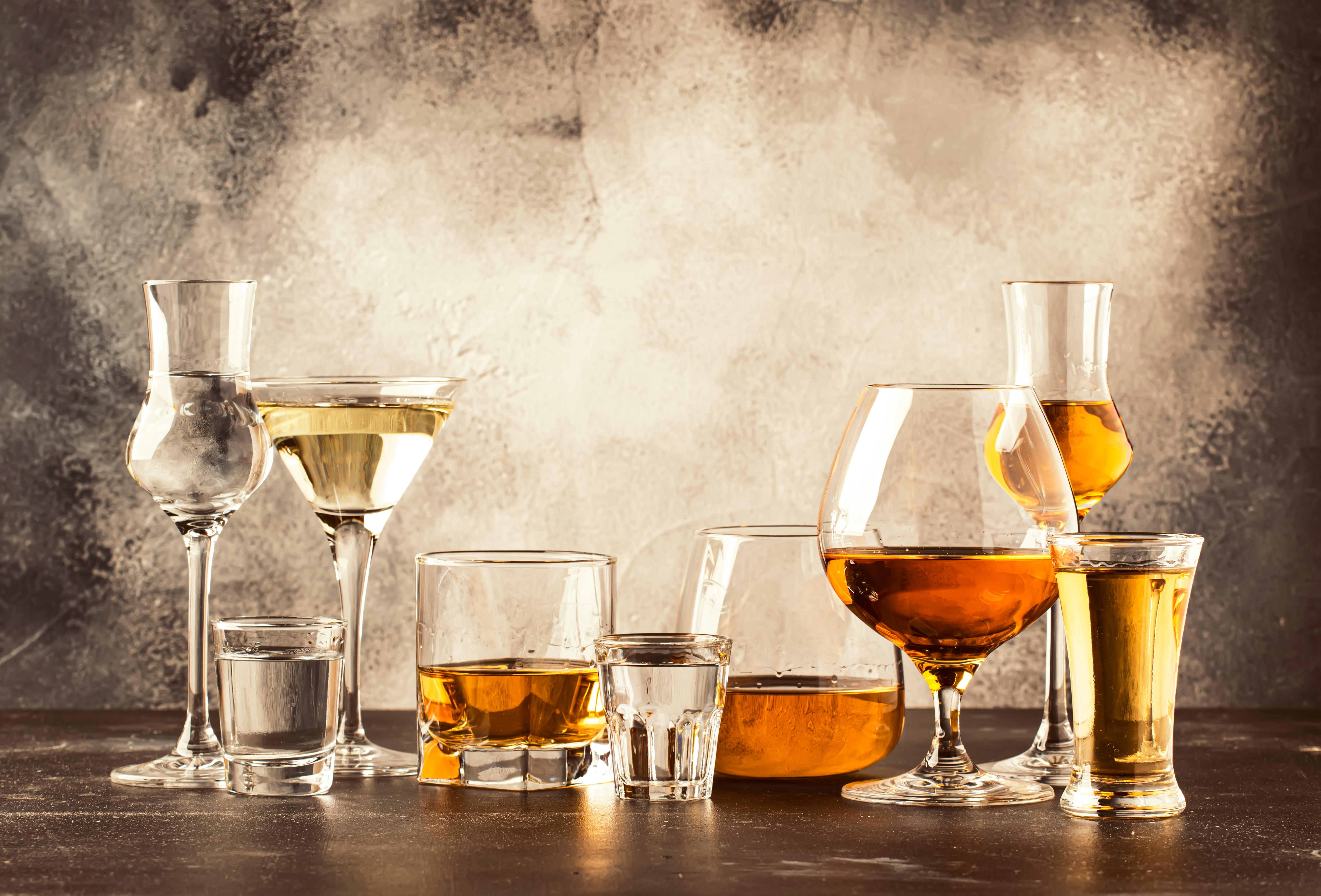 Set,Of,Strong,Alcoholic,Drinks,In,Glasses,In,Assortment:,Vodka,